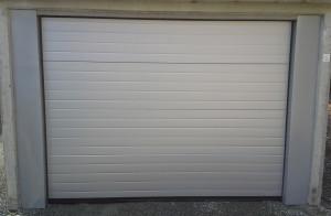 garážová vrata bílá