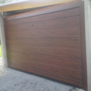 garážová vrata zlaty dub