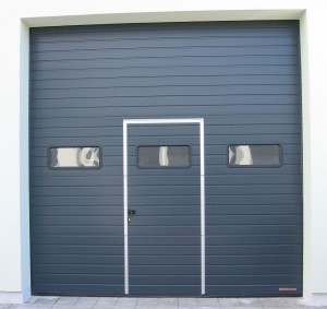 garážová vrata, antracit, dvířka, okénka